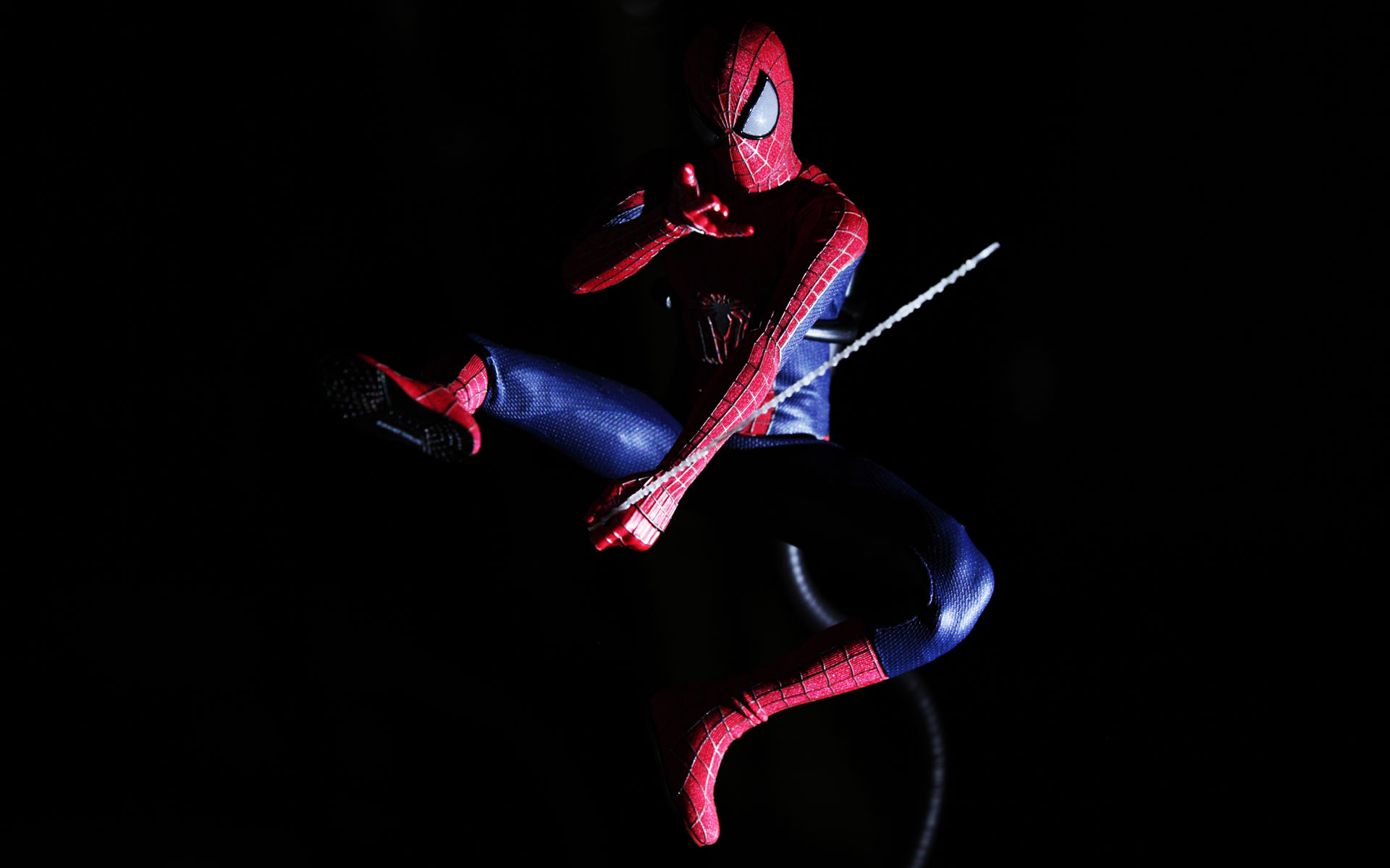 hot-toys-amazing-spider-man-2-spider-man-picture-02