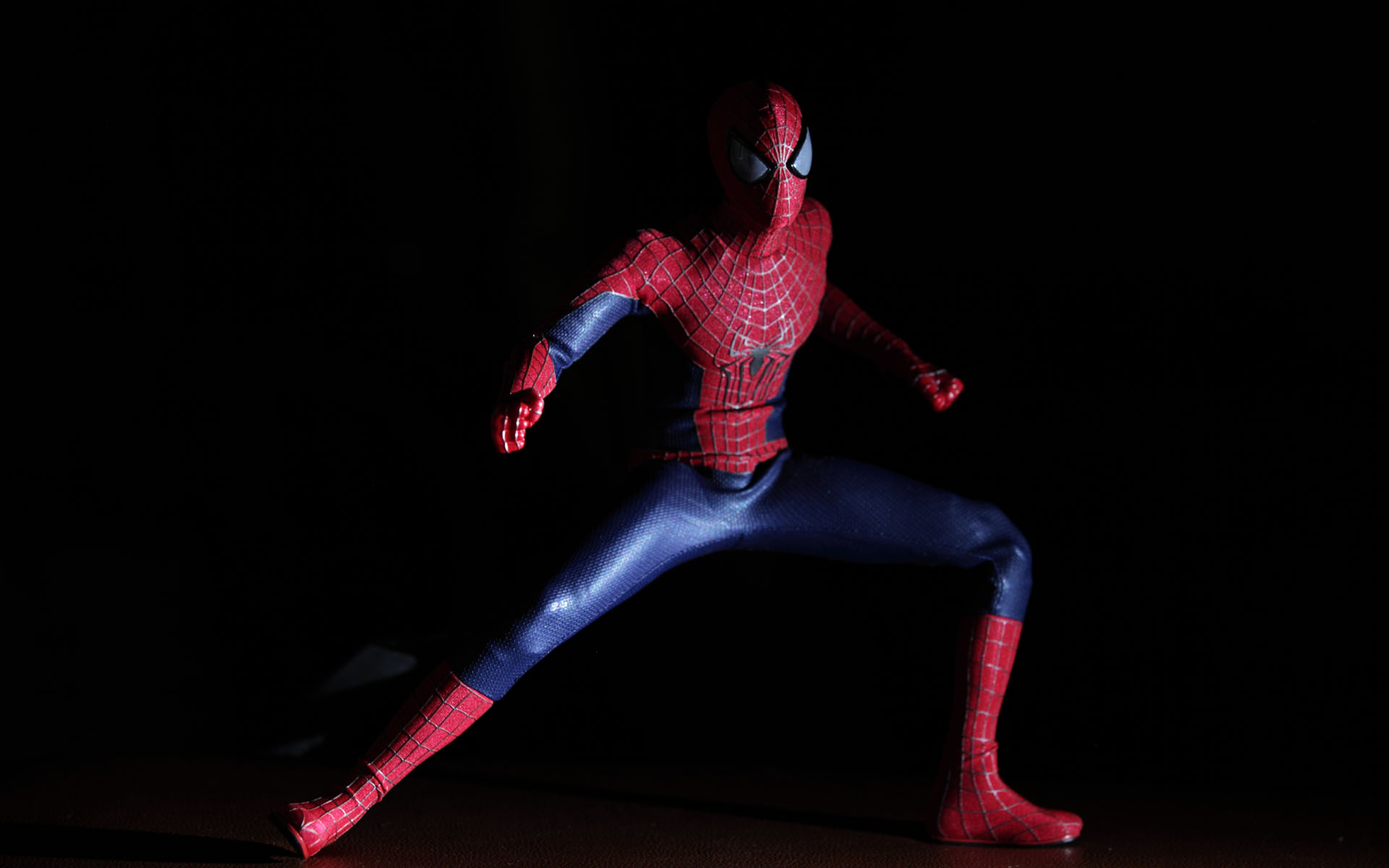 hot-toys-amazing-spider-man-2-spider-man-picture-03