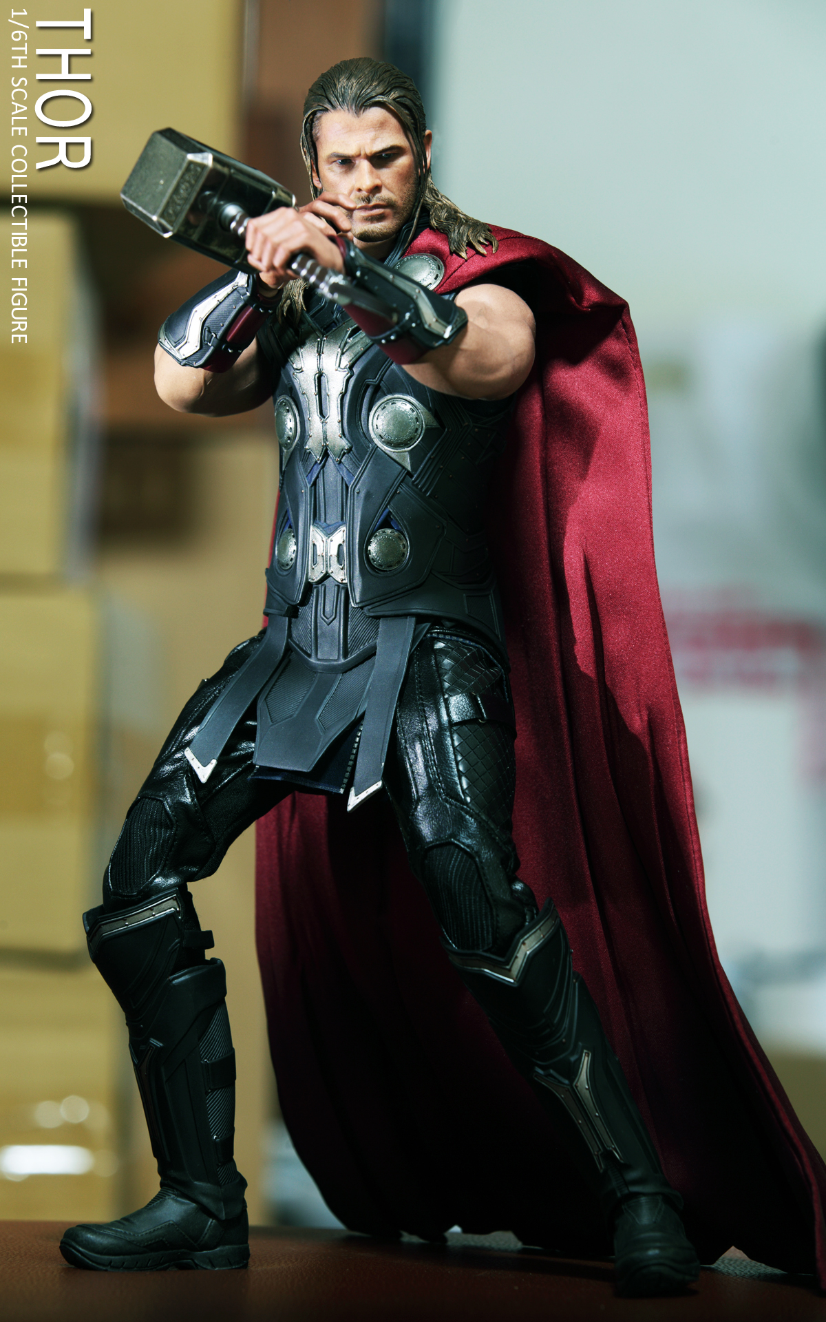 hot-toys-avengers-age-of-ultron-thor-picture-01