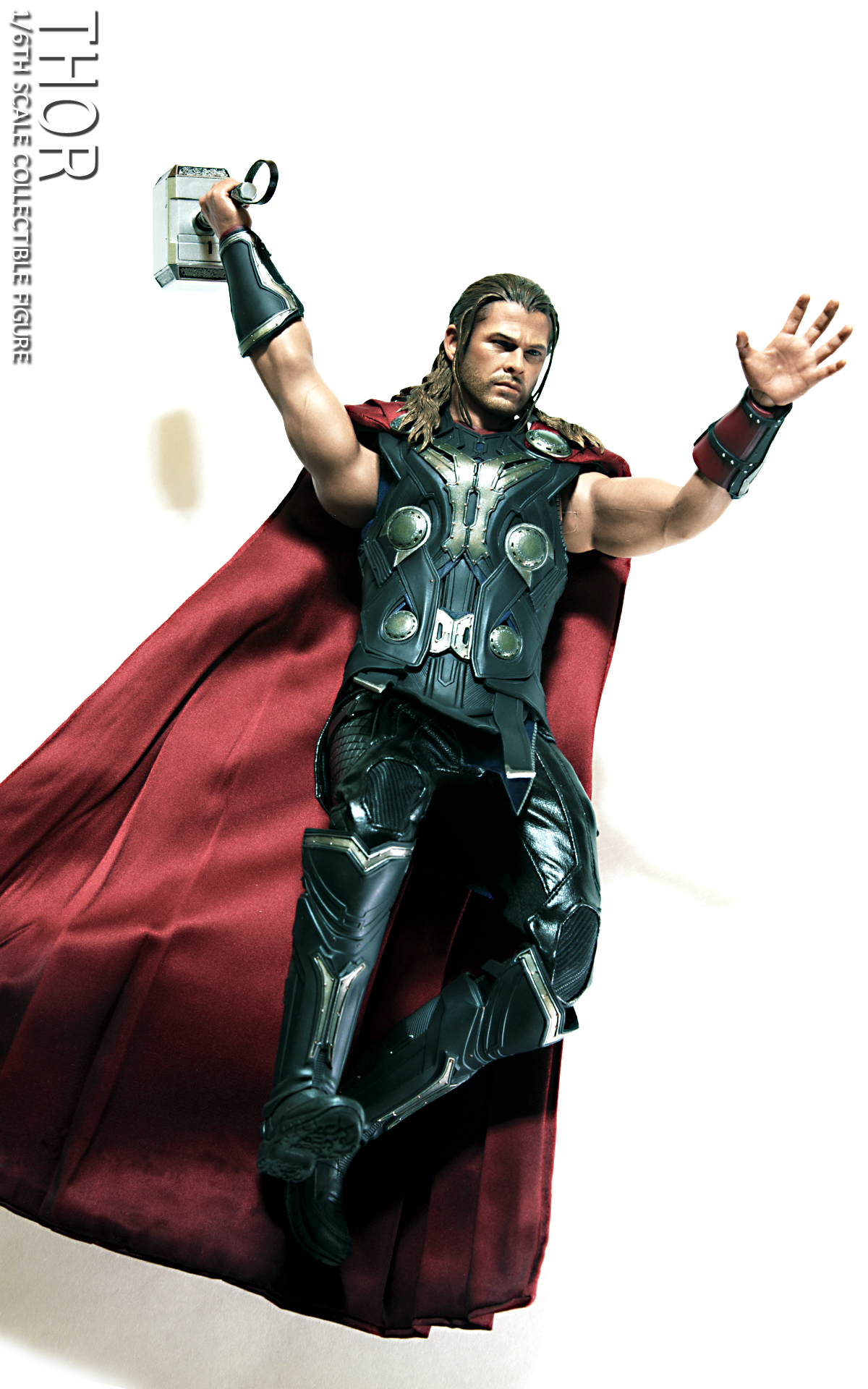 hot-toys-avengers-age-of-ultron-thor-picture-02