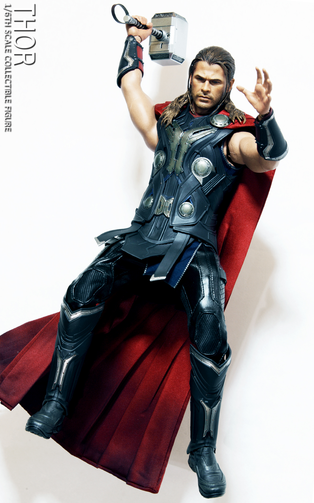 hot-toys-avengers-age-of-ultron-thor-picture-03