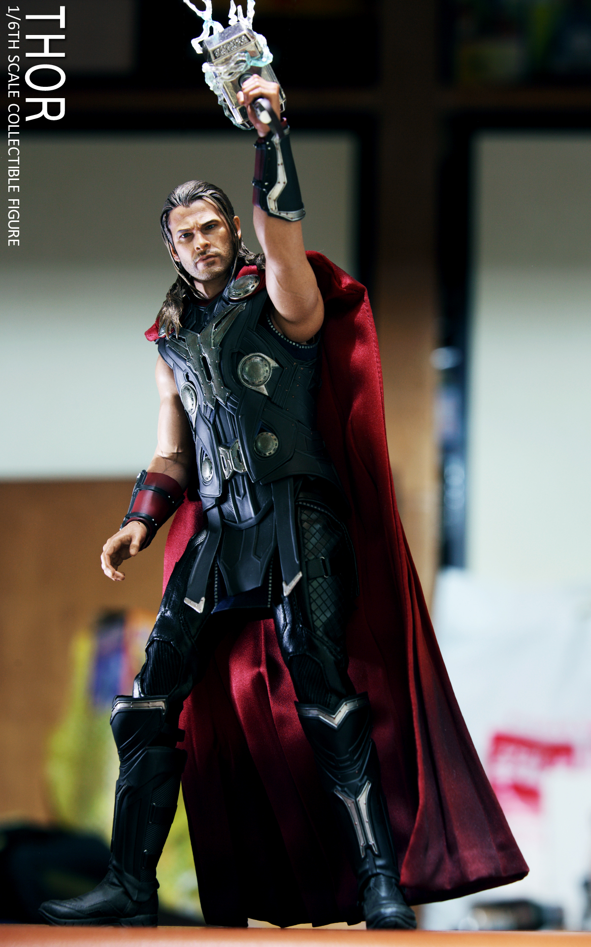 hot-toys-avengers-age-of-ultron-thor-picture-04