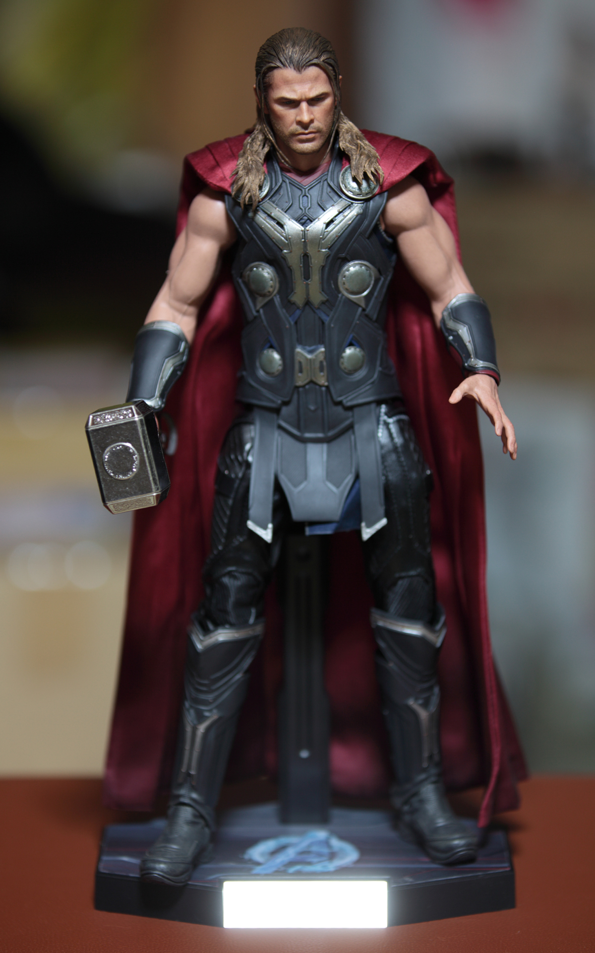 hot-toys-avengers-age-of-ultron-thor-picture-16