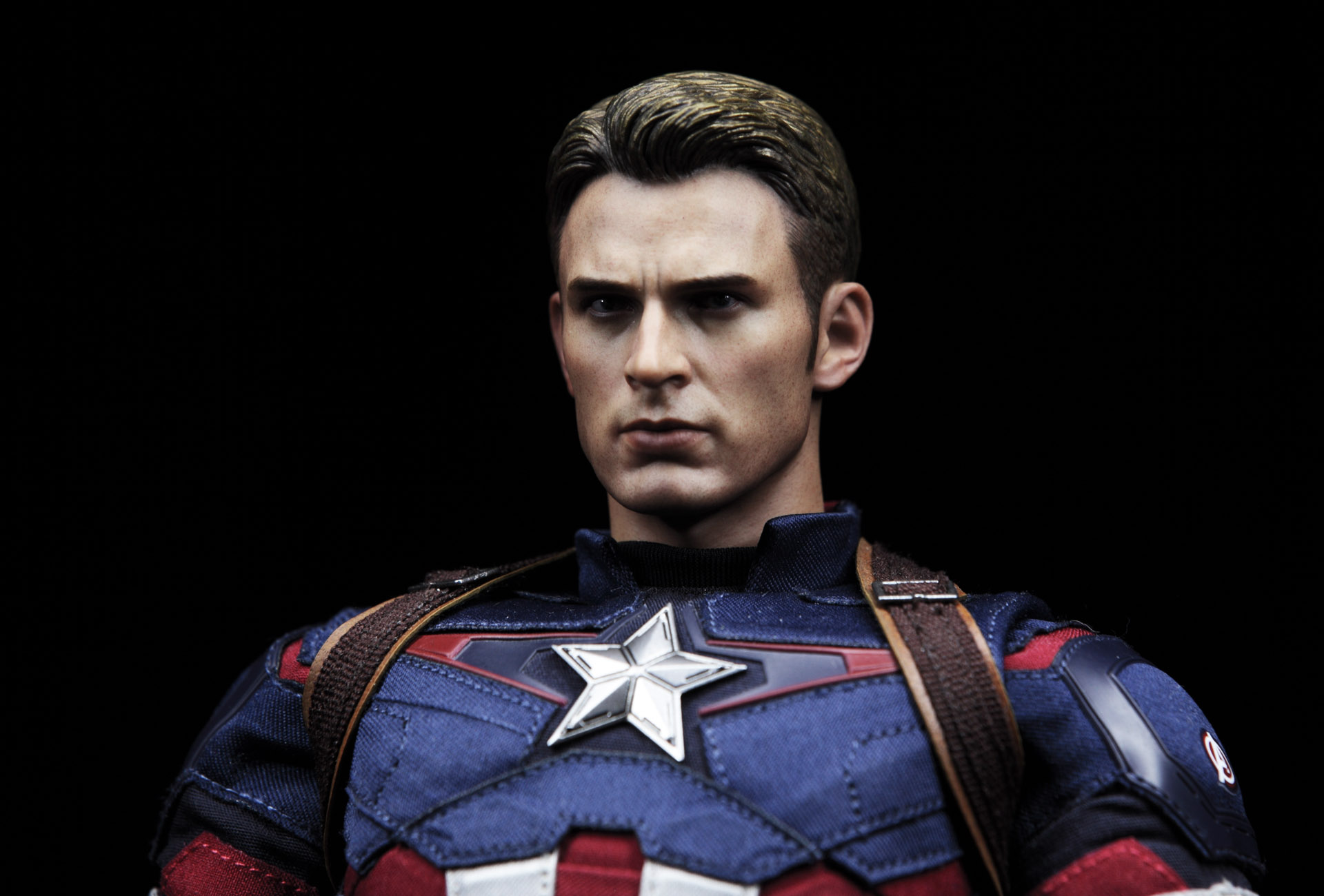 hottoys-avengers-age-of-ultron-Captain-America-picture06