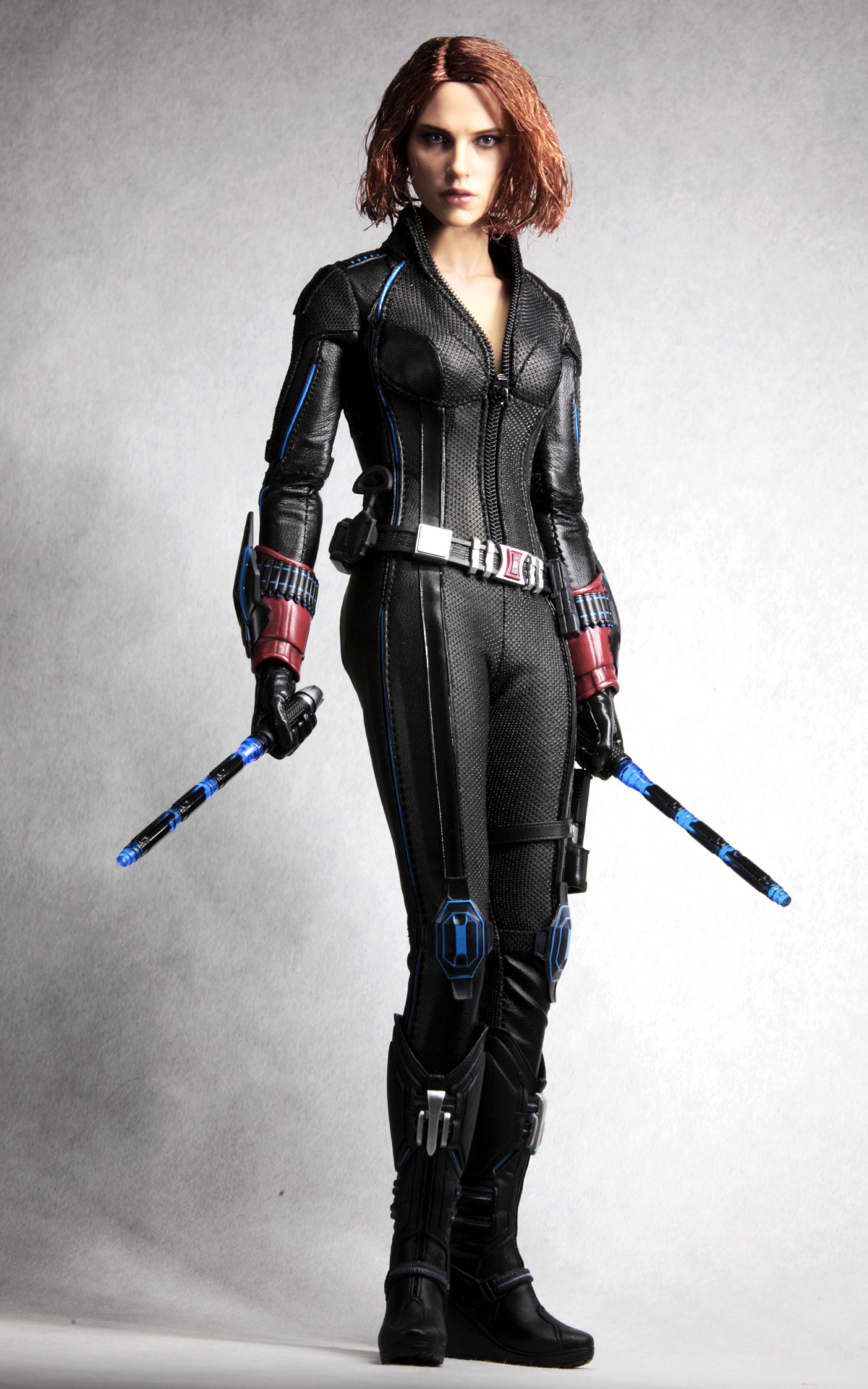 hottoys-avengers-age-of-ultron-black-widow-picture01