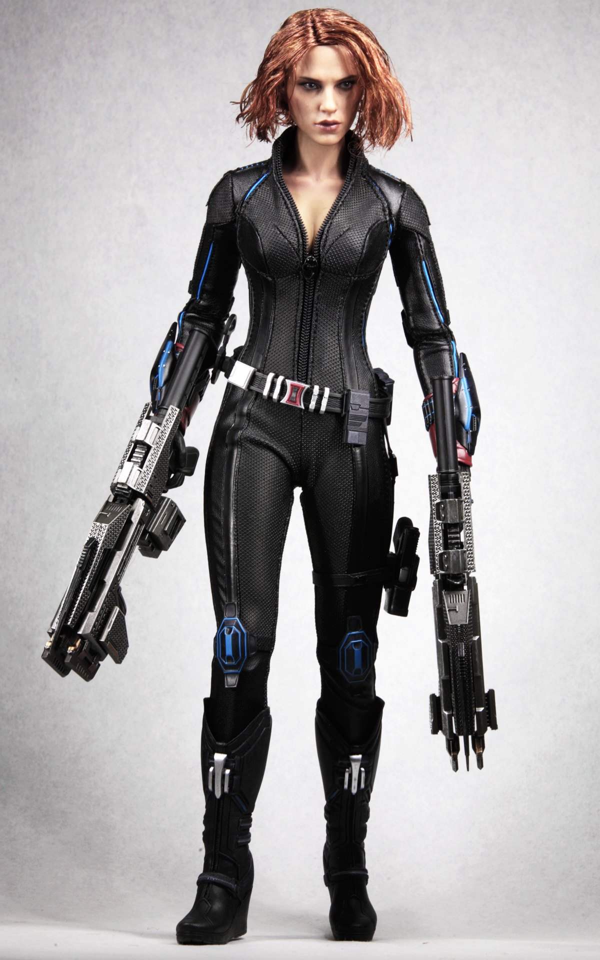 hottoys-avengers-age-of-ultron-black-widow-picture02