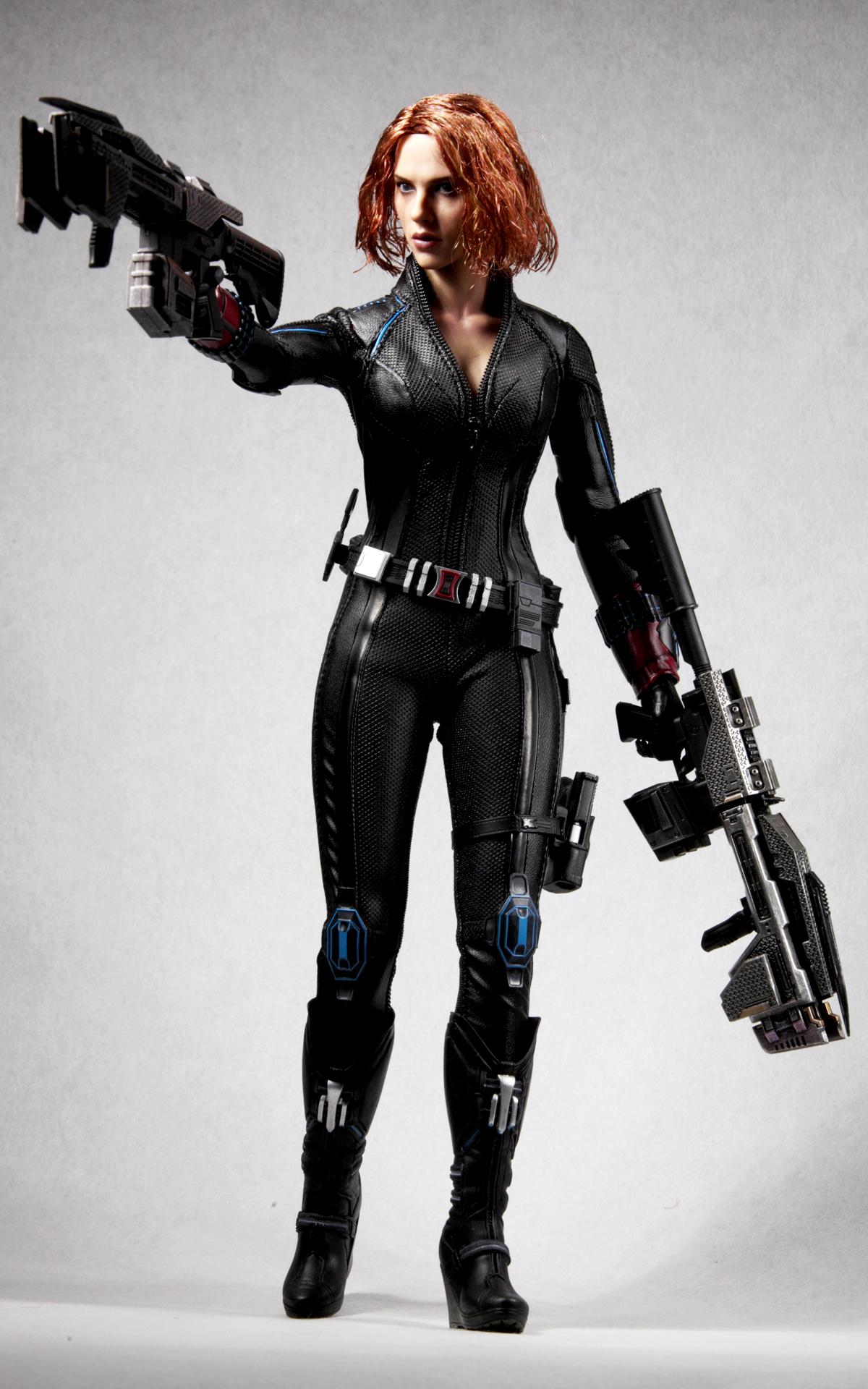 hottoys-avengers-age-of-ultron-black-widow-picture03