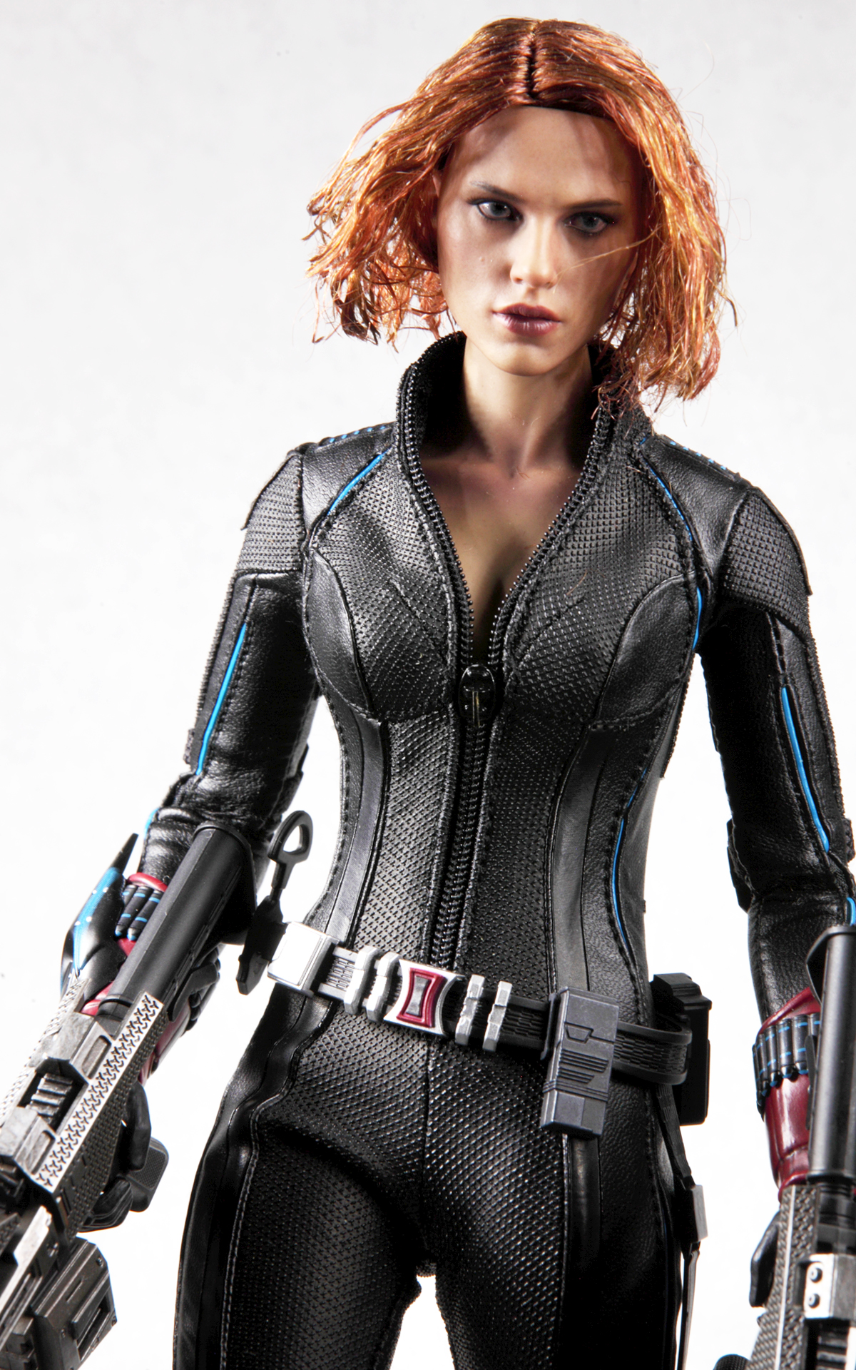 hottoys-avengers-age-of-ultron-black-widow-picture06