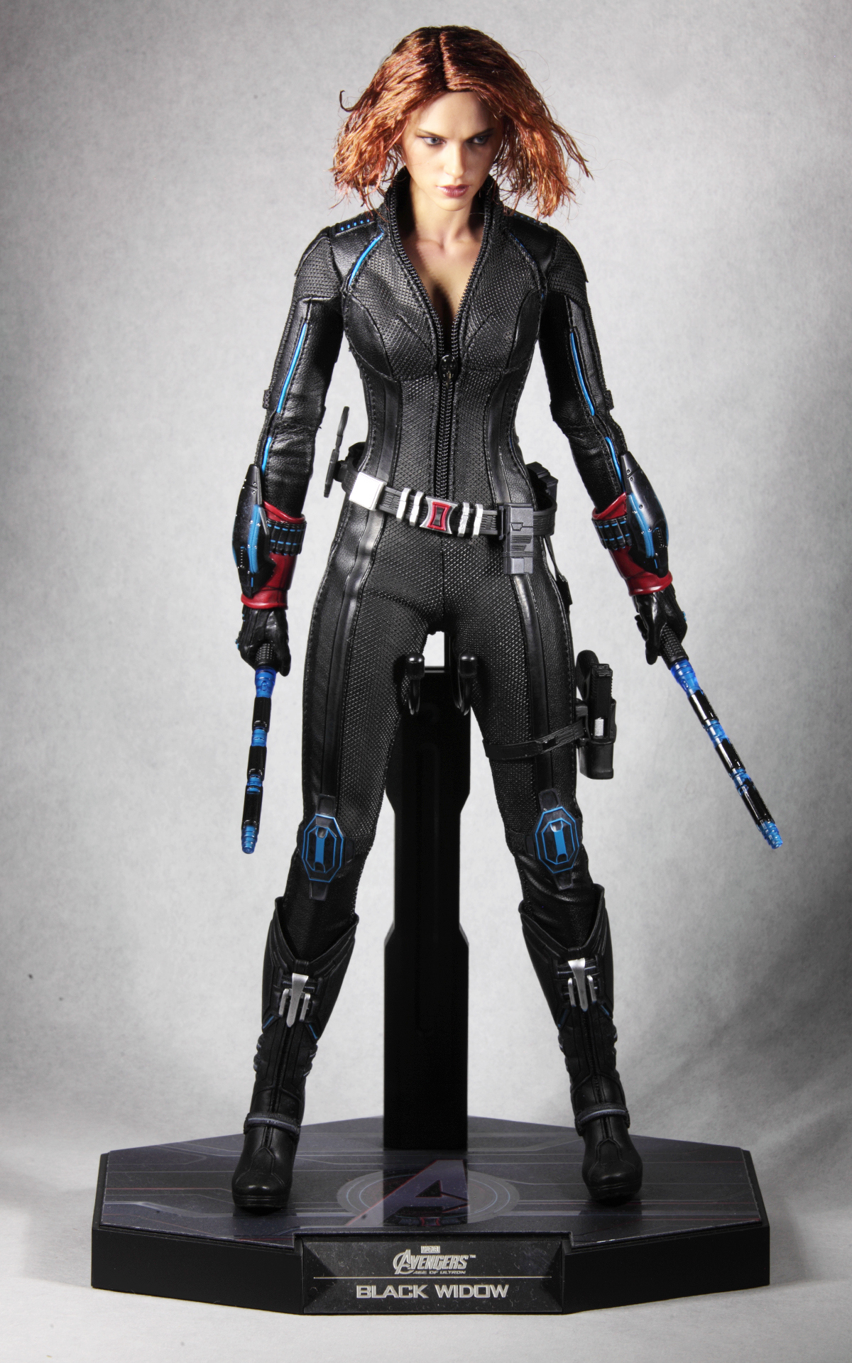 hottoys-avengers-age-of-ultron-black-widow-picture13