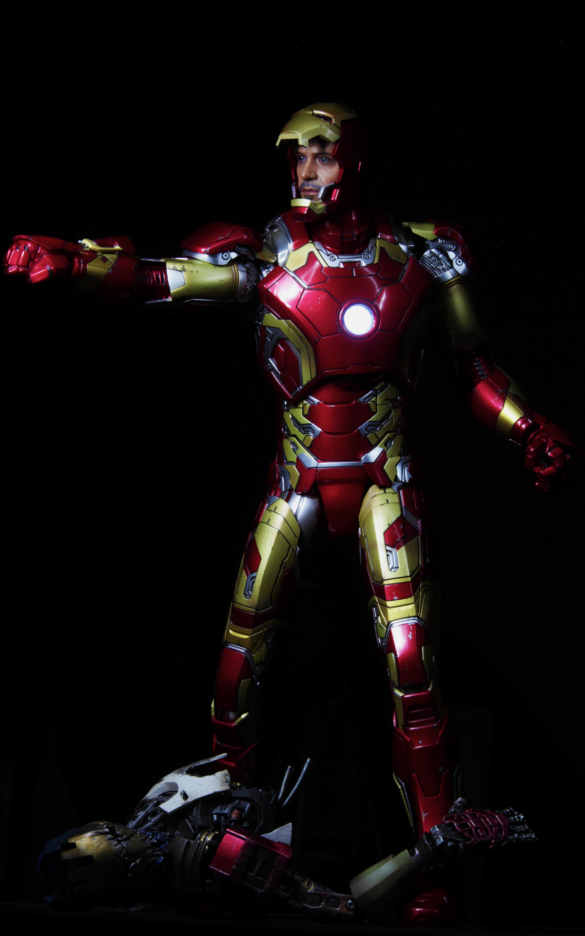 hottoys-avengers-age-of-ultron-iron-man-mark-43-picture07