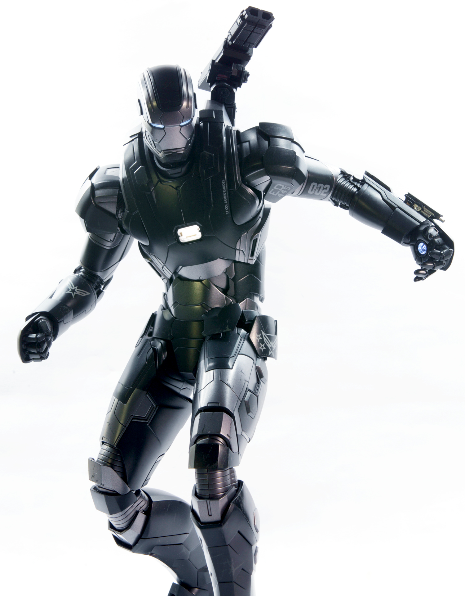 hottoys-avengers-age-of-ultron-war-machine-mark-2-picture02