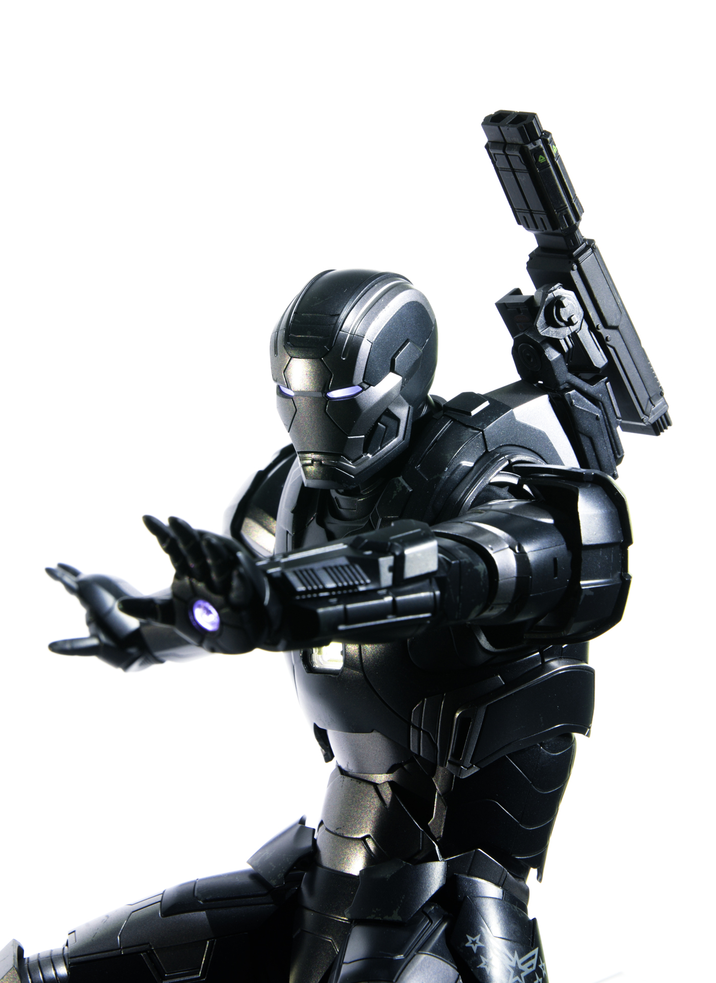 hottoys-avengers-age-of-ultron-war-machine-mark-2-picture05