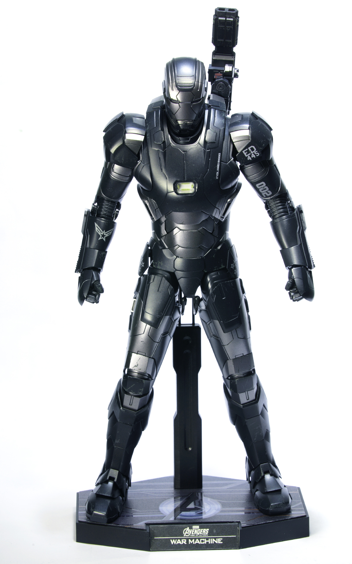 hottoys-avengers-age-of-ultron-war-machine-mark-2-picture09