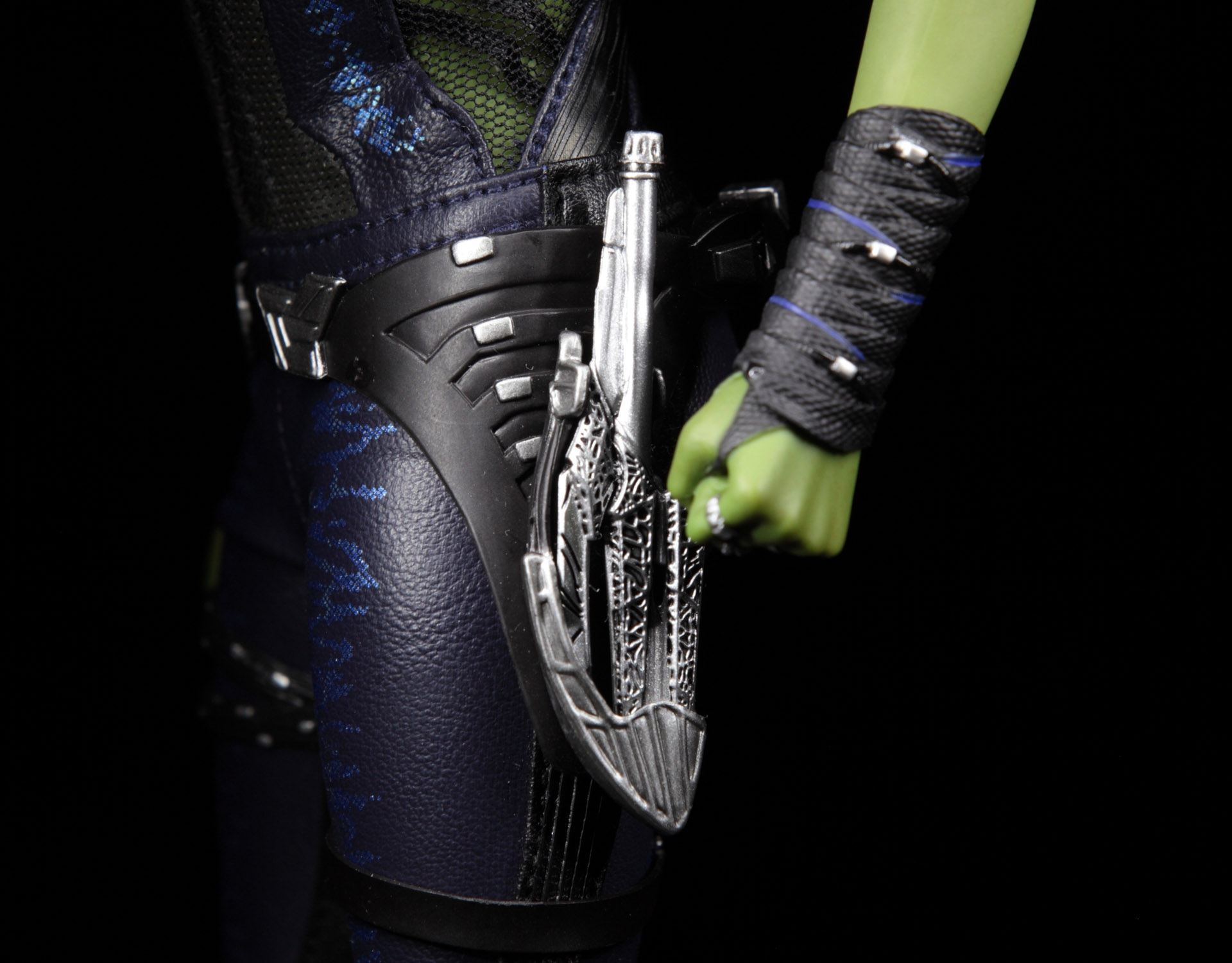 hottoys-guardians-of-the-galaxy-gamora-picture06