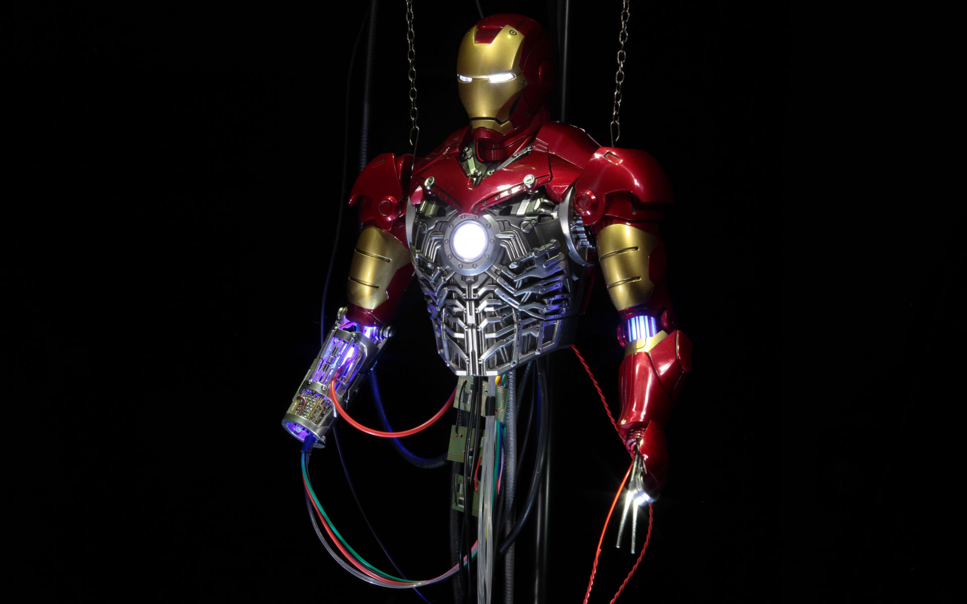 hottoys-iron-man-mark-3-construction-picture06