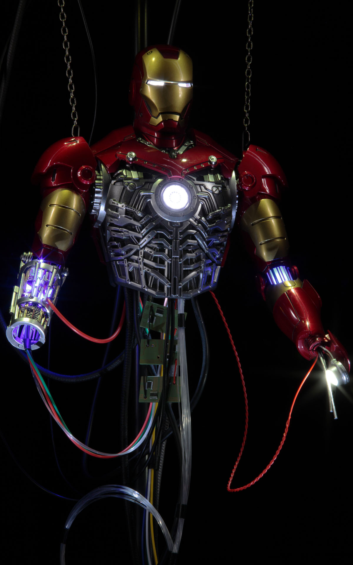 hottoys-iron-man-mark-3-construction-picture07