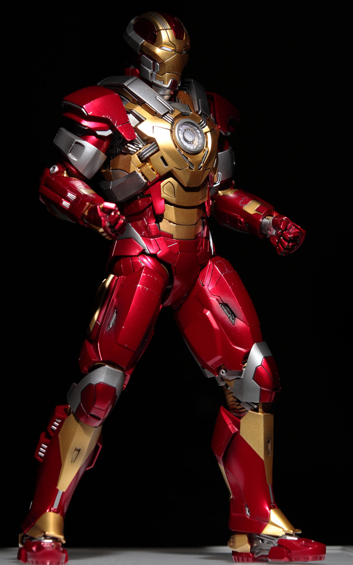 iron-man3-mark-17-picture04