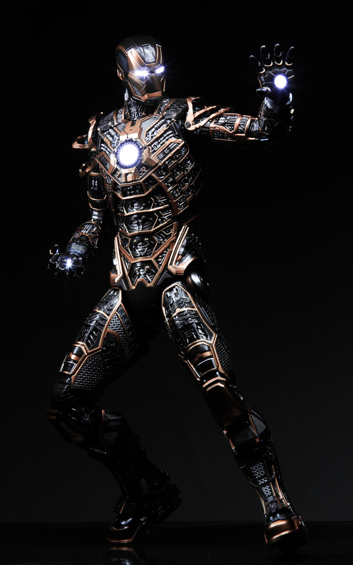 hottoys-iron-man3-mark-41-bones-picture02