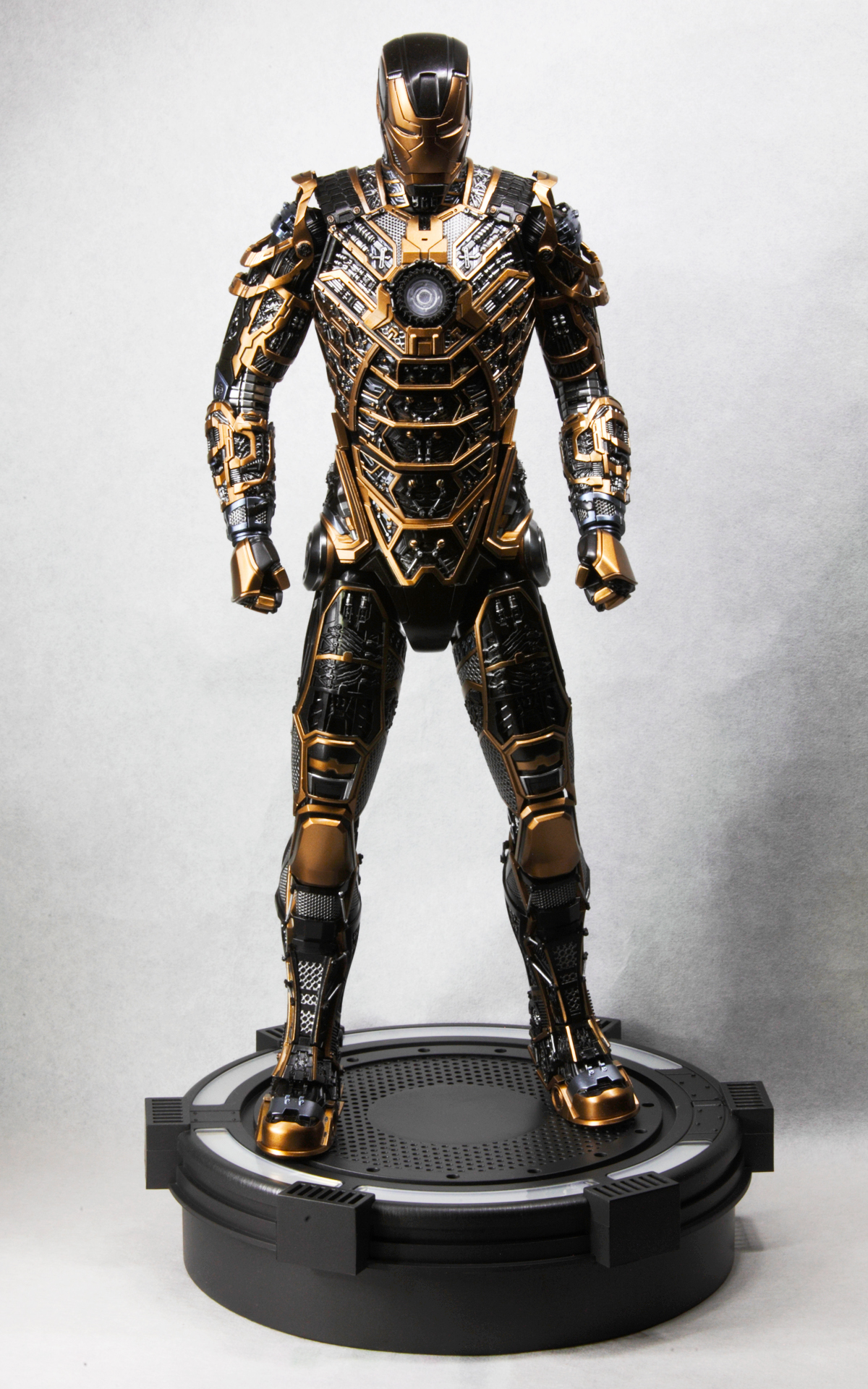 hottoys-iron-man3-mark-41-bones-picture09