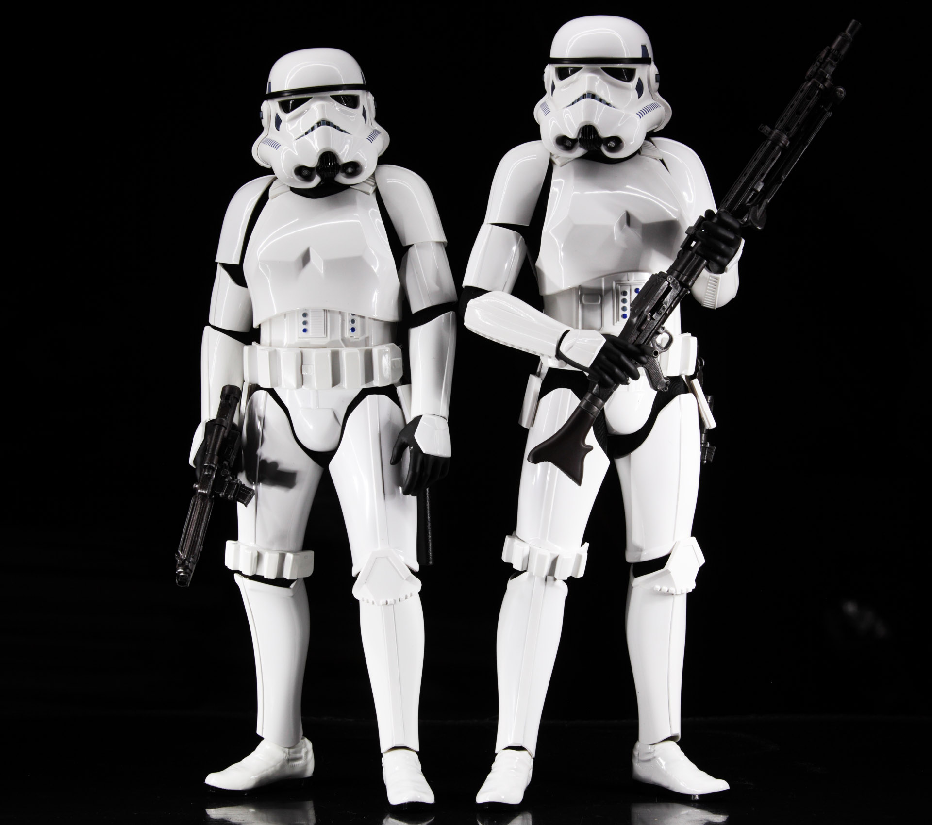 hottoys-star-wars-episode-4-a-new-hope-stormtroopers-set-picture01
