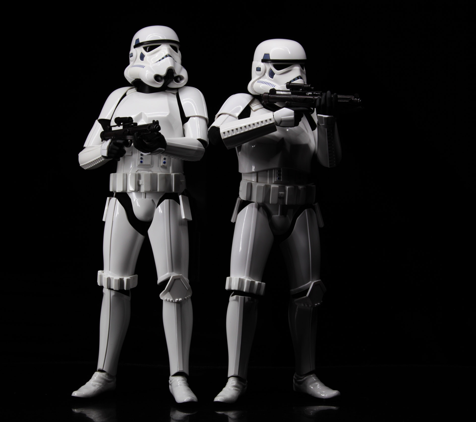 hottoys-star-wars-episode-4-a-new-hope-stormtroopers-set-picture03
