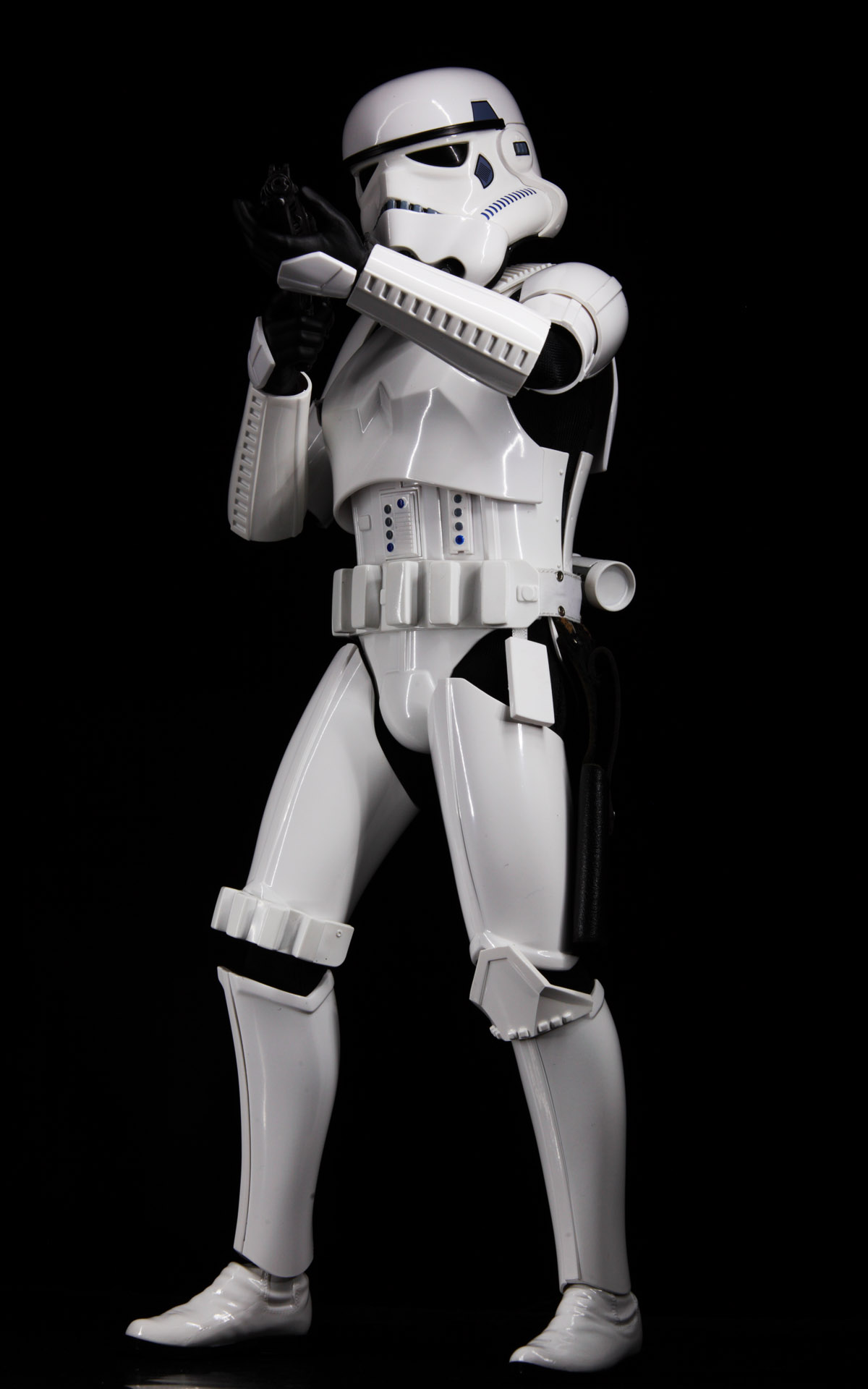 hottoys-star-wars-episode-4-a-new-hope-stormtroopers-set-picture08