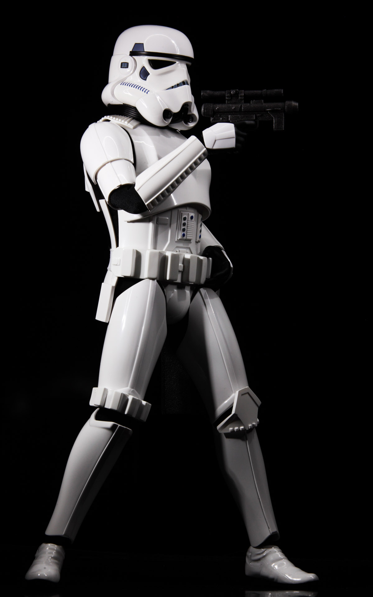 hottoys-star-wars-episode-4-a-new-hope-stormtroopers-set-picture09