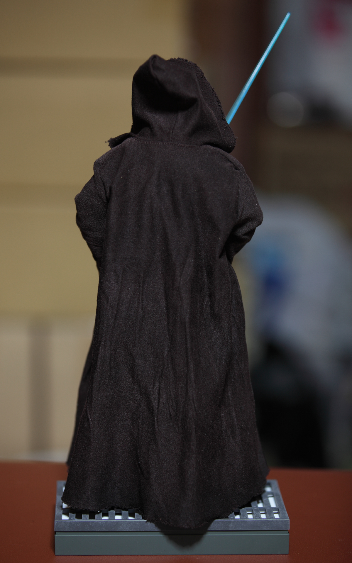 hottoys-star-wars-episode-IV-a-new-hope-obi-wan-kenobi-picture14