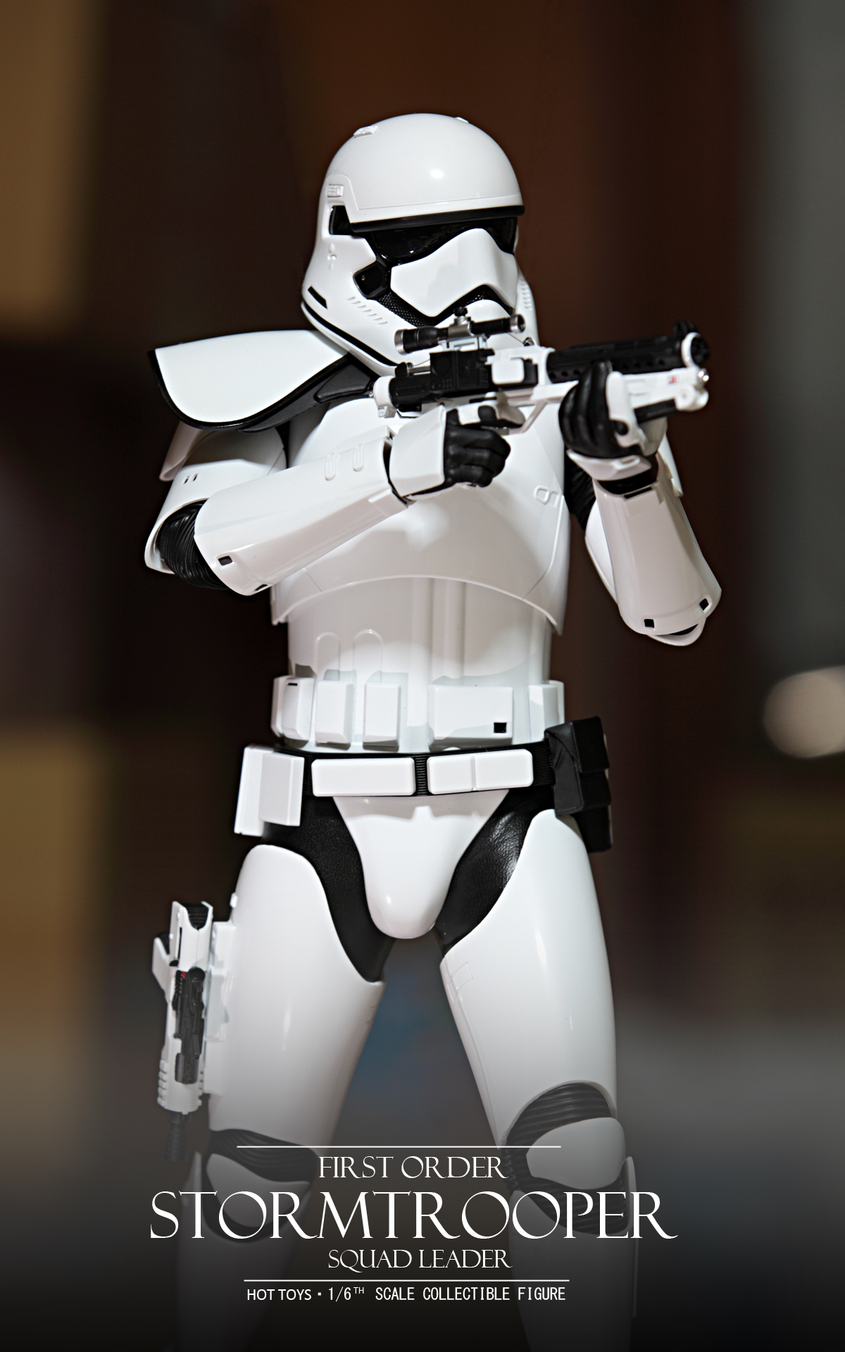 hottoys-star-wars-the-force-awakens-first-order-stormtrooper-Squad-Leader-picture01hottoys-star-wars-the-force-awakens-first-order-stormtrooper-Squad-Leader-picture02