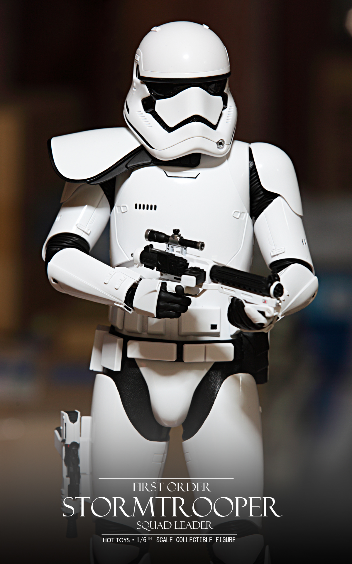 hottoys-star-wars-the-force-awakens-first-order-stormtrooper-Squad-Leader-picture01hottoys-star-wars-the-force-awakens-first-order-stormtrooper-Squad-Leader-picture03