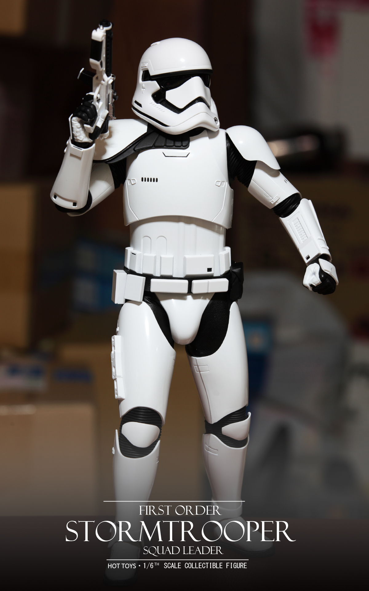 hottoys-star-wars-the-force-awakens-first-order-stormtrooper-Squad-Leader-picture01hottoys-star-wars-the-force-awakens-first-order-stormtrooper-Squad-Leader-picture04