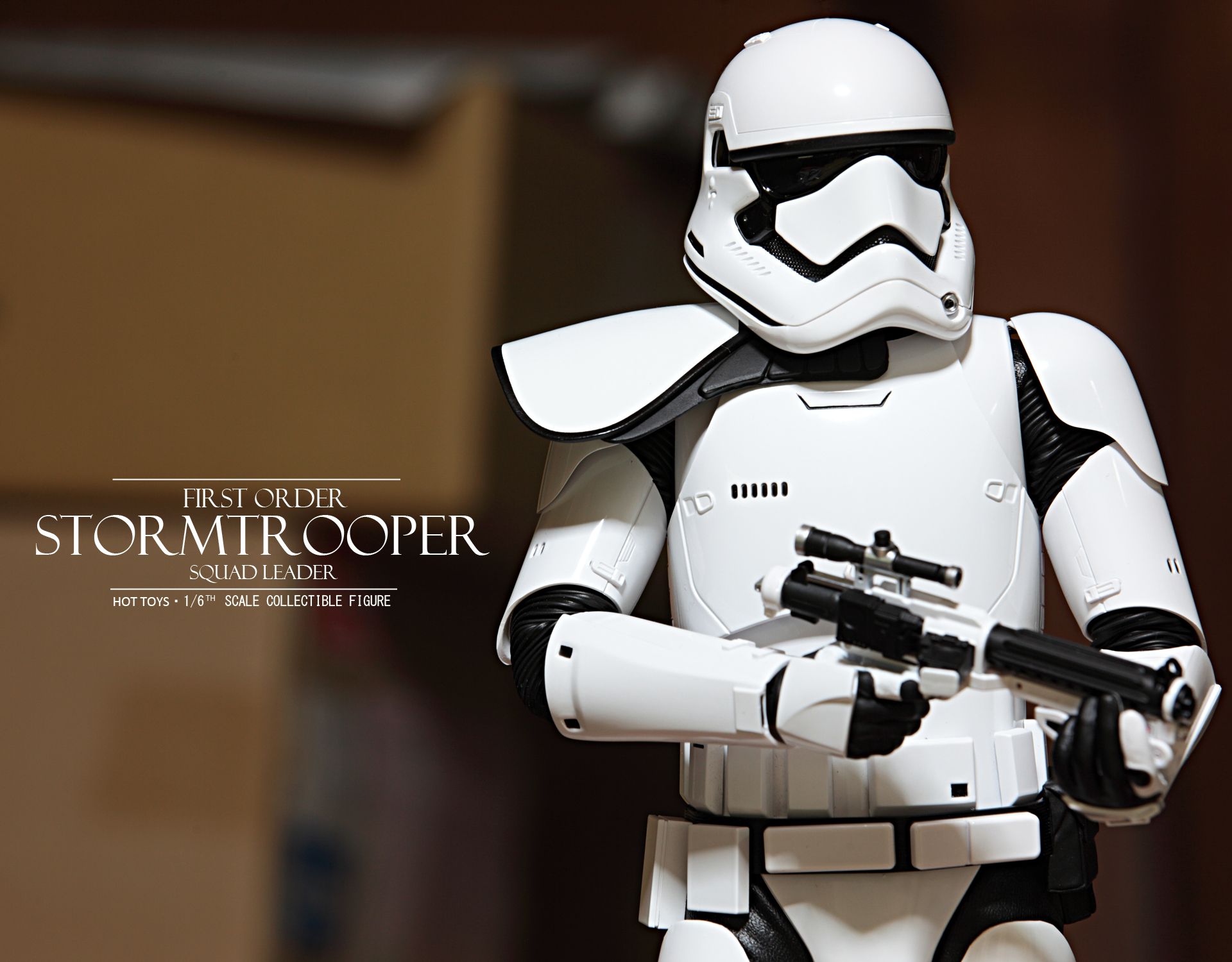 hottoys-star-wars-the-force-awakens-first-order-stormtrooper-Squad-Leader-picture01hottoys-star-wars-the-force-awakens-first-order-stormtrooper-Squad-Leader-picture06