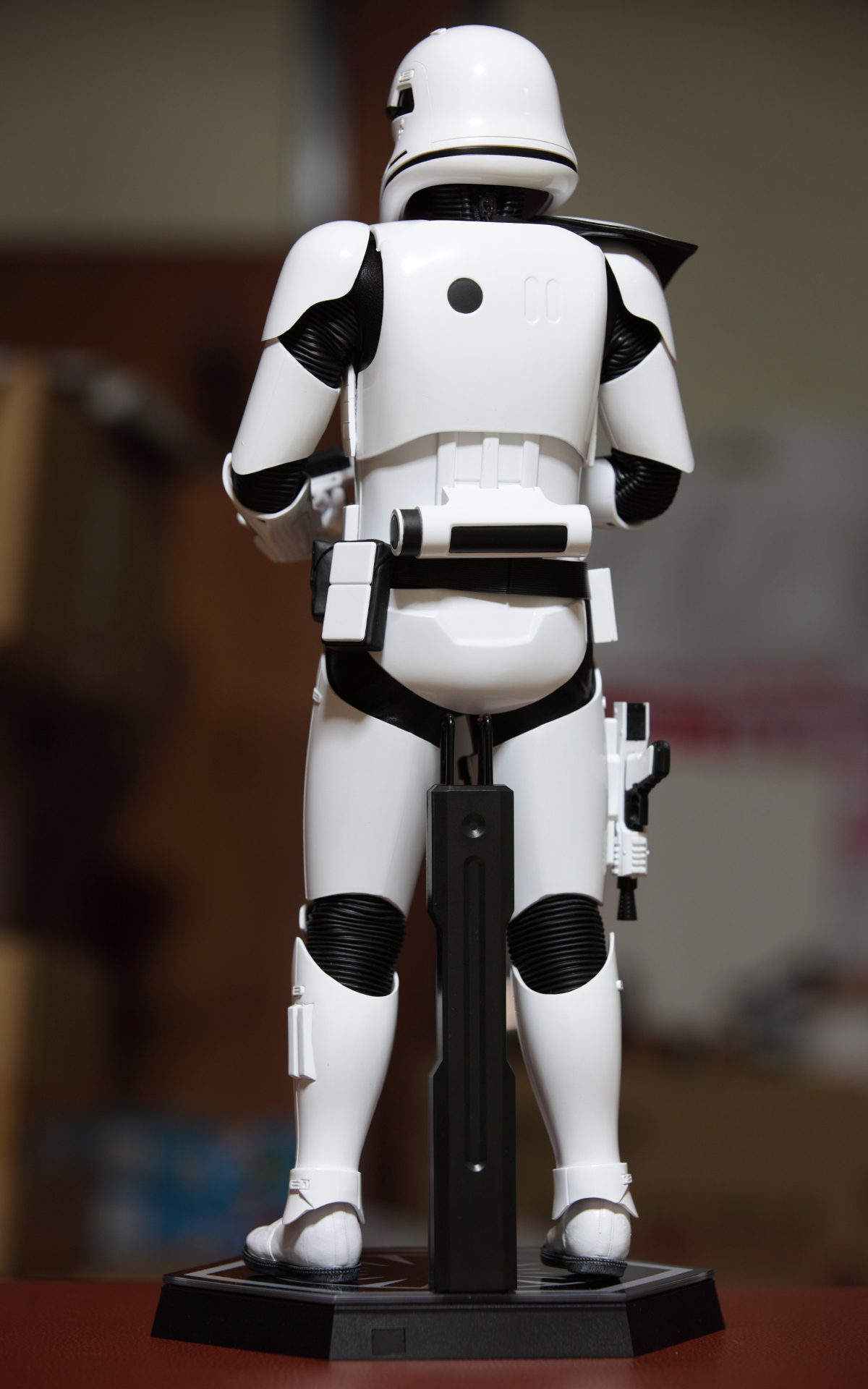 hottoys-star-wars-the-force-awakens-first-order-stormtrooper-Squad-Leader-picture01hottoys-star-wars-the-force-awakens-first-order-stormtrooper-Squad-Leader-picture11