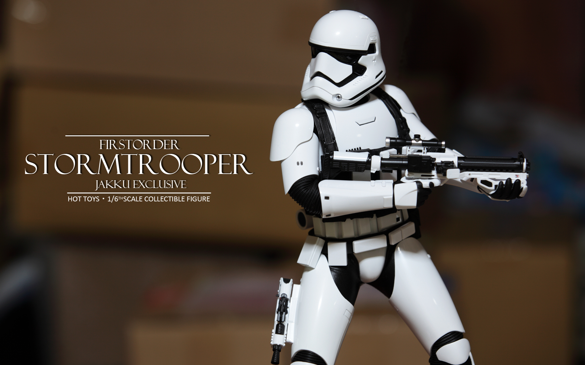 hottoys-star-wars-the-force-awakens-first-order-stormtrooper-jakku-picture04
