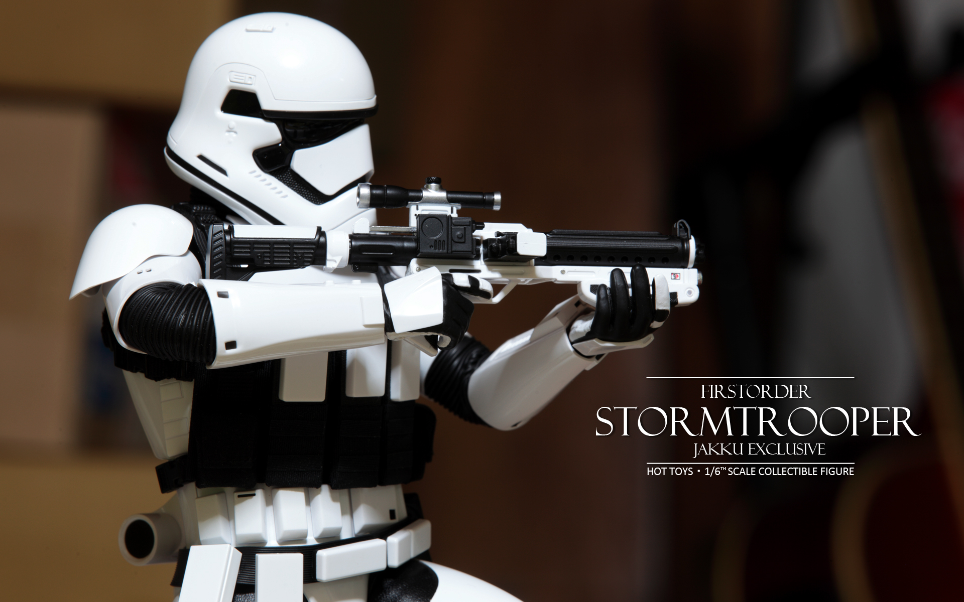 hottoys-star-wars-the-force-awakens-first-order-stormtrooper-jakku-picture07